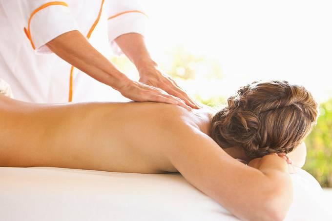 Massagem – crédito Four Seasons Hotels and Resorts