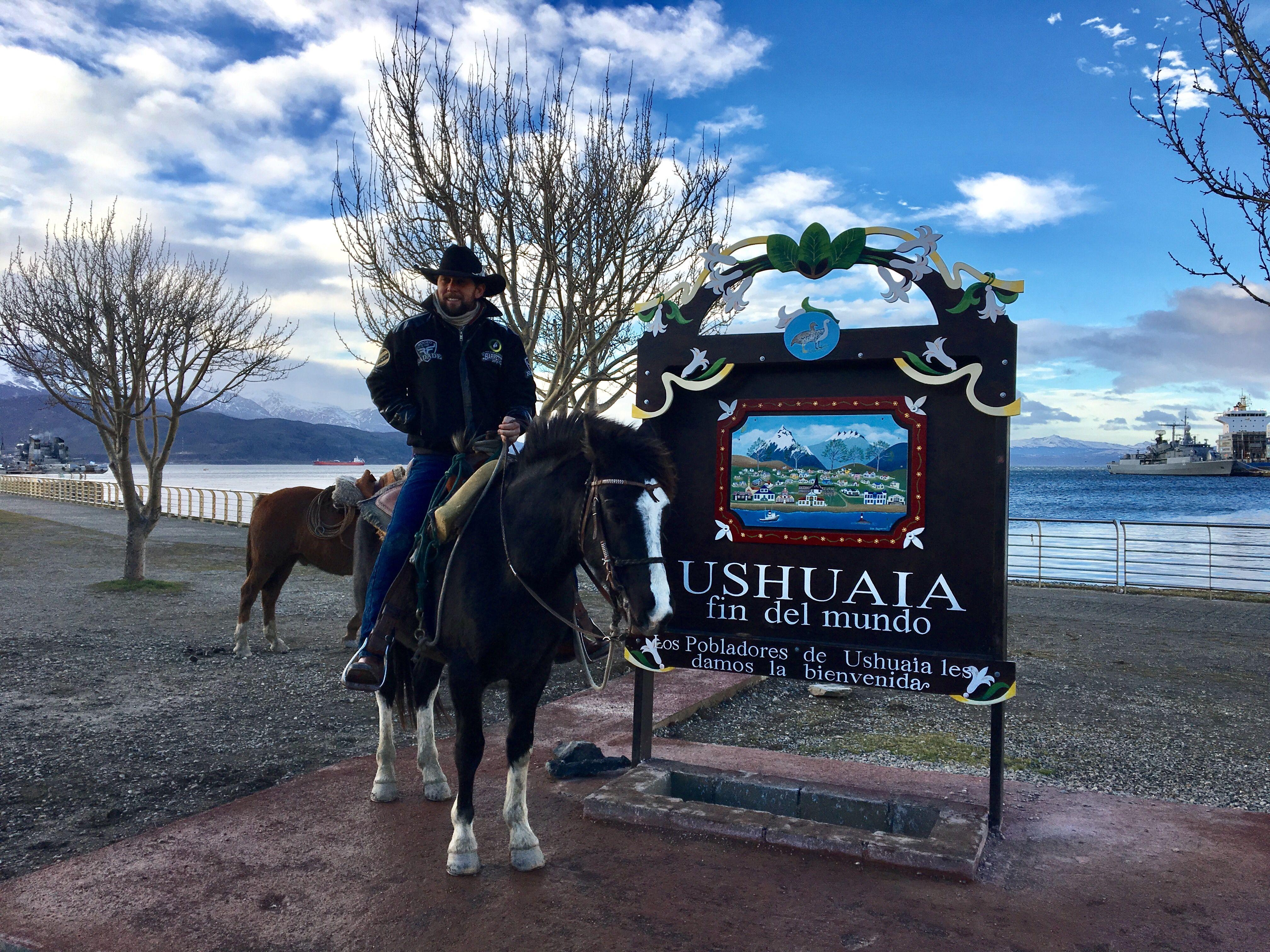 """A segunda viagem de Filipe teve como destino o Ushuaia, na Terra do Fogo, conhecido como o """"fim do mundo"""""""