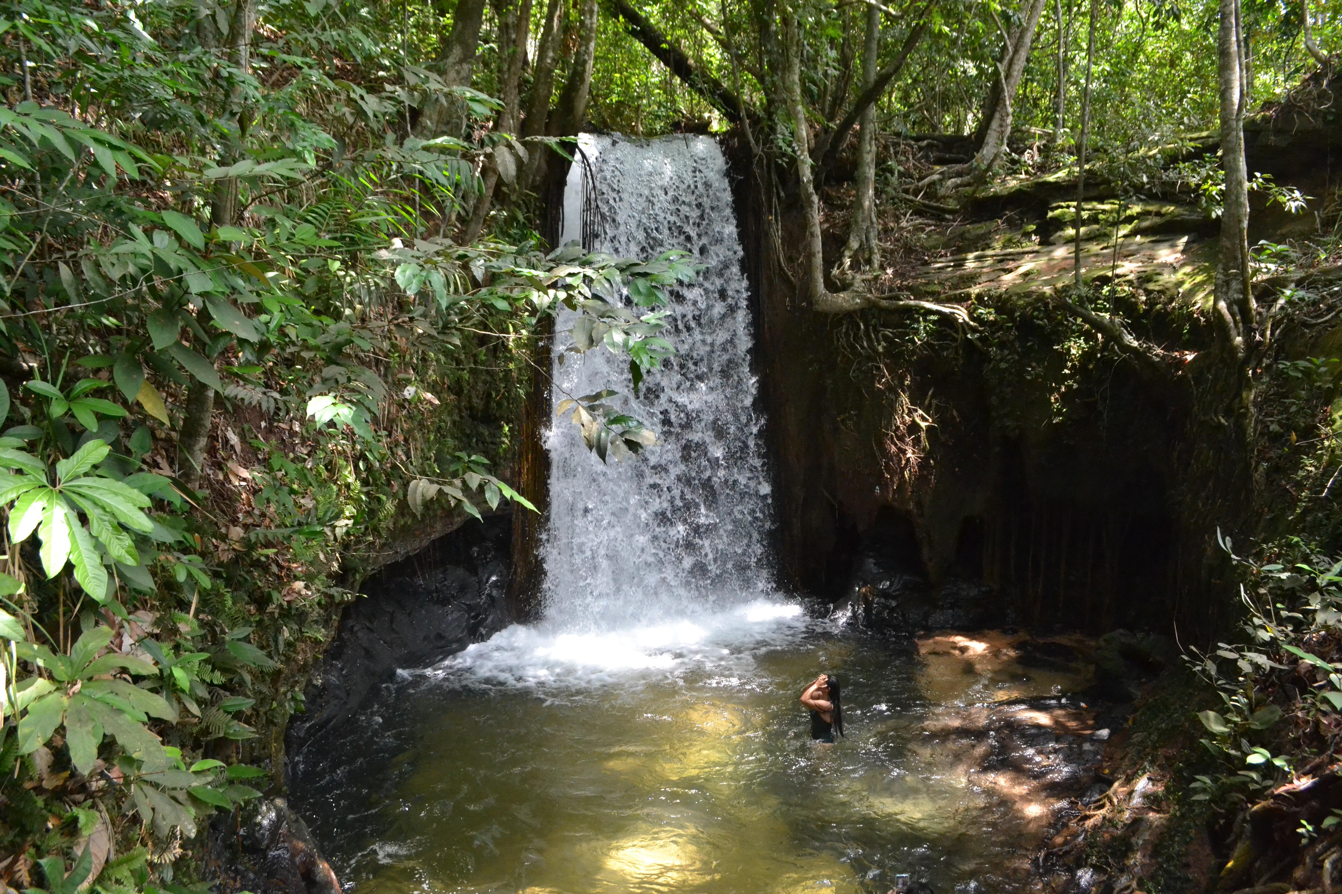 Cachoeira do Porteira: banho revigorante