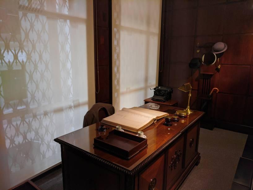 Antiga mesa de um gerente de banco