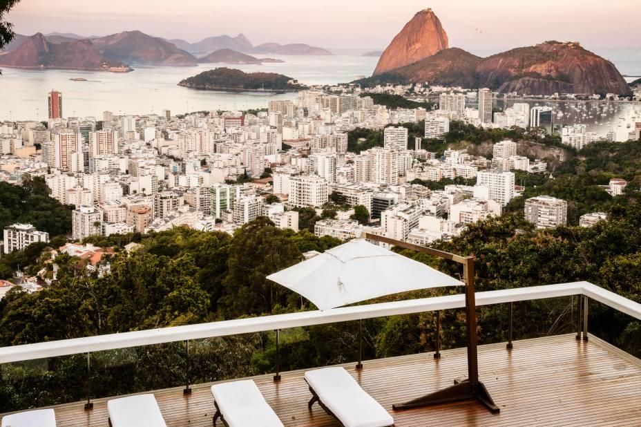 Vista deslumbrante de uma das sete suítes do Vila Santa Teresa, no Rio