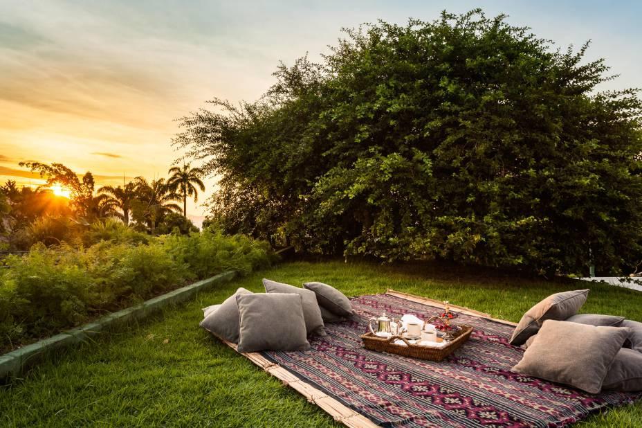 Piquenique no gramado é uma das atrações para os hóspedes do Vila Santa Teresa