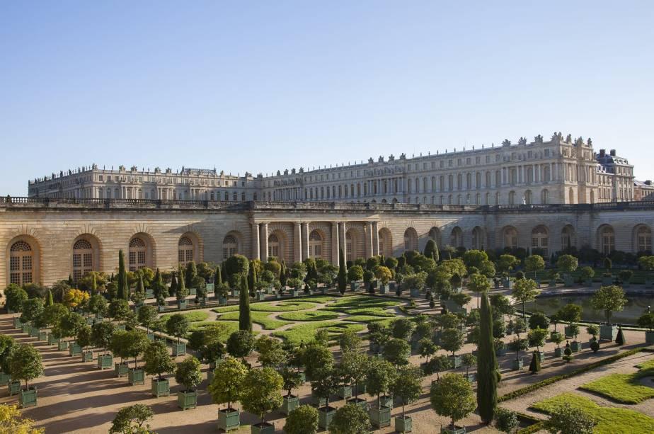 O Le Grand Contrôle fica dentro do edifício que abrigada o Ministério das Finanças dos reis Luís XV e Luís XVI