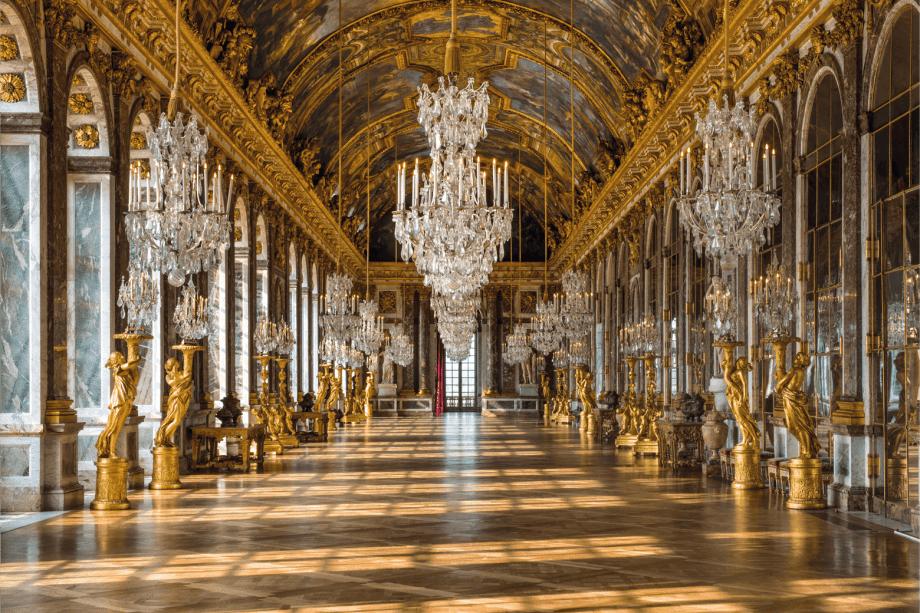 Os hóspedes podem conhecer a famosa Galeria dos Espelhos fora do horário normal de visitação