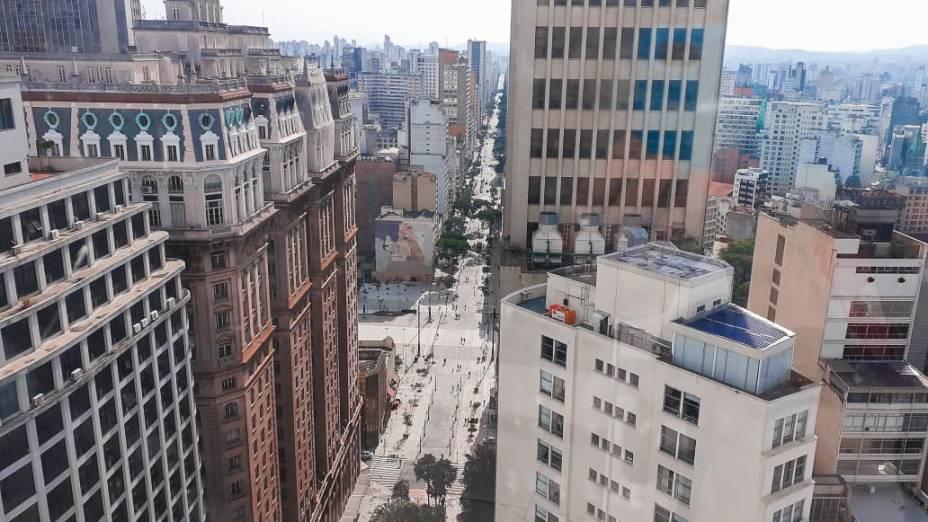 Vista do mirante involuntário do banheiro masculino do 22º andar.