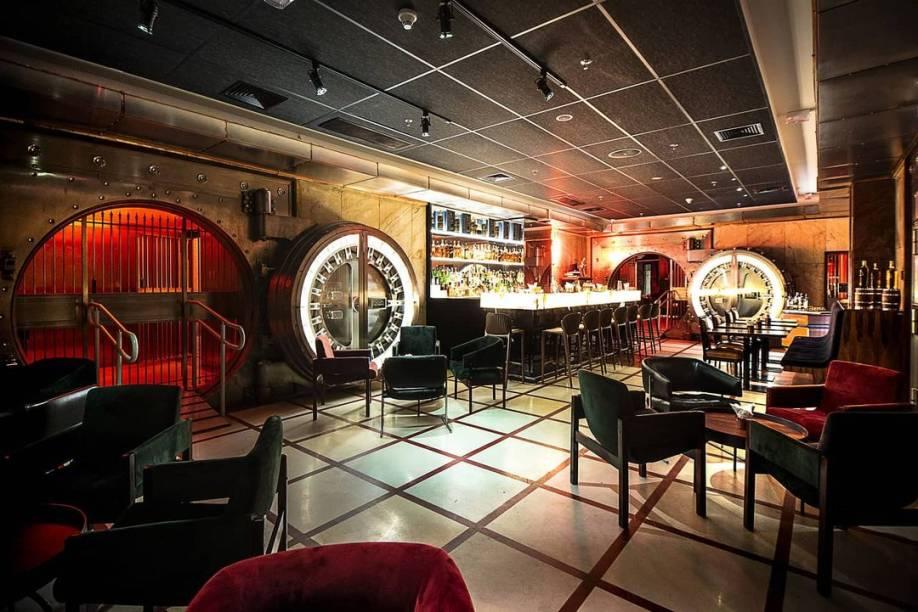 Visual do bar, escondido no subsolo