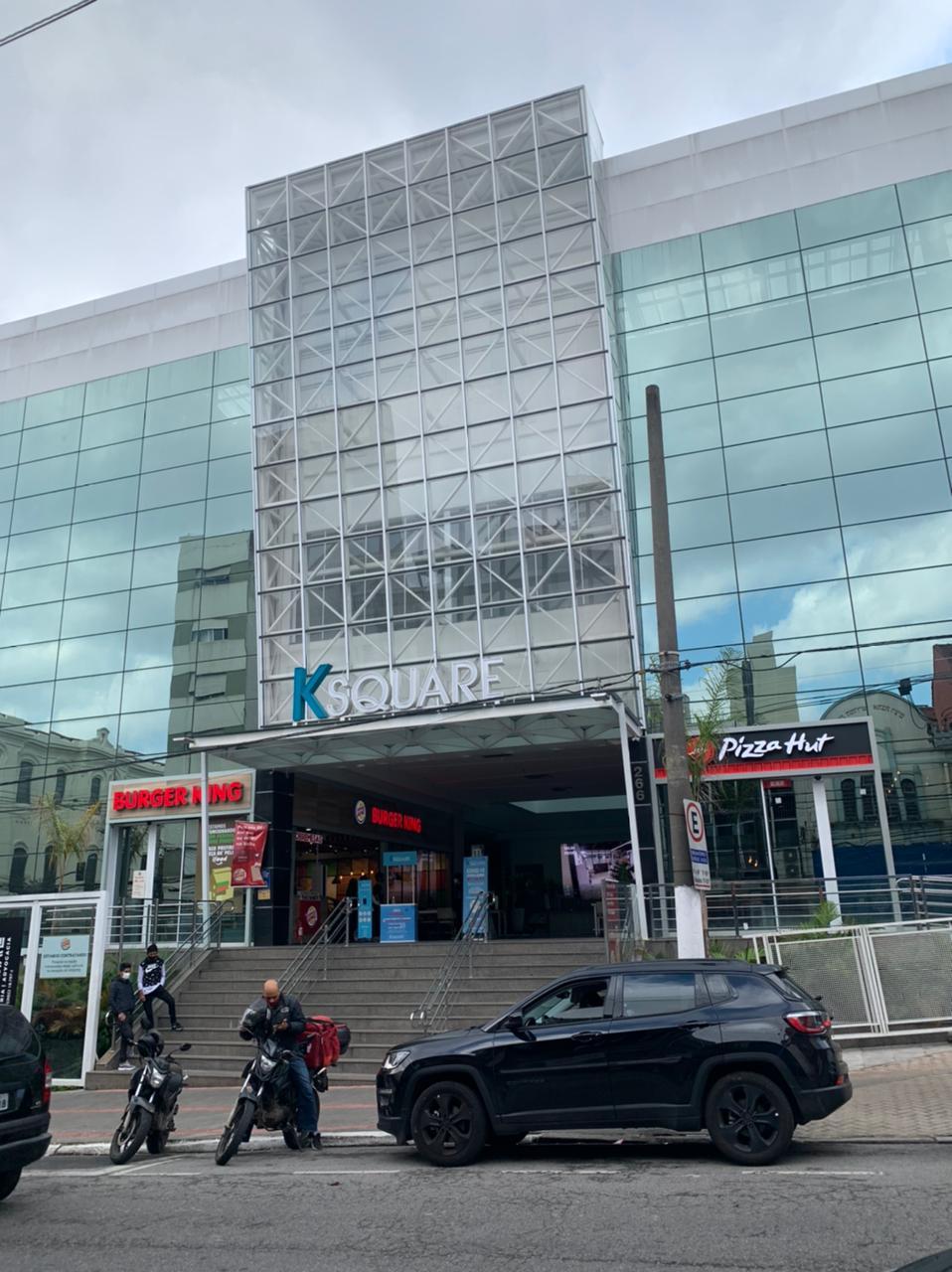 Centro comercial K Square, na Rua Guarani