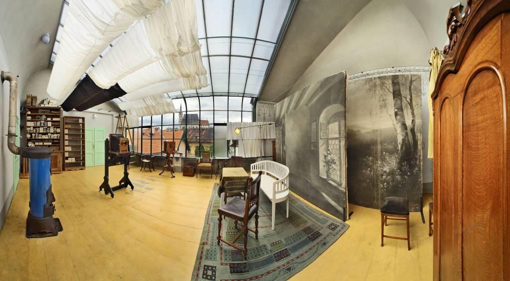 Interior do ateliê de fotos de Seidel