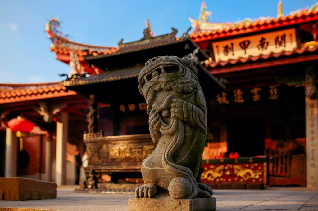 Estátua em frente ao Templo Confuncionista de Quanzhou, na China. Crédito:
