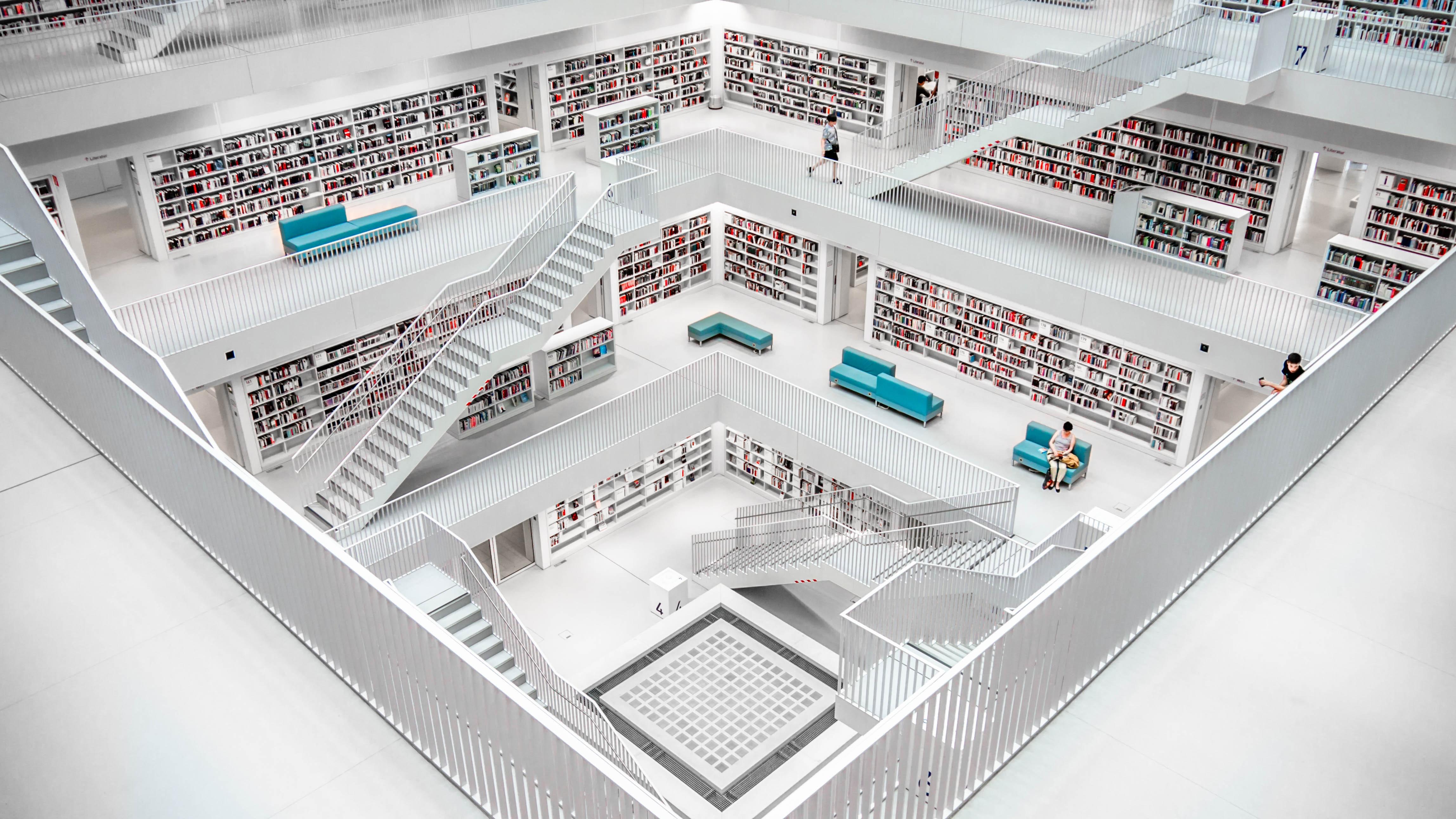 Interior da Biblioteca Municipal de Estugarda