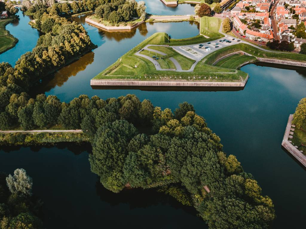 Vista aérea de um pedaço do Fort Naarden, na Holanda