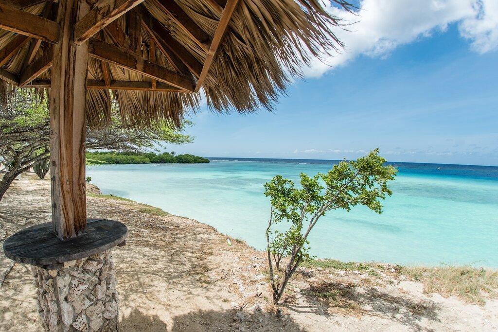Palapo na praia de Mangel Halto, Aruba, Caribe
