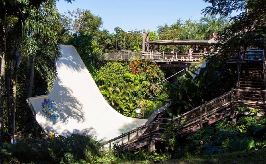 Uma das atrações mais radicais do Hot Park é o Half Pipe.