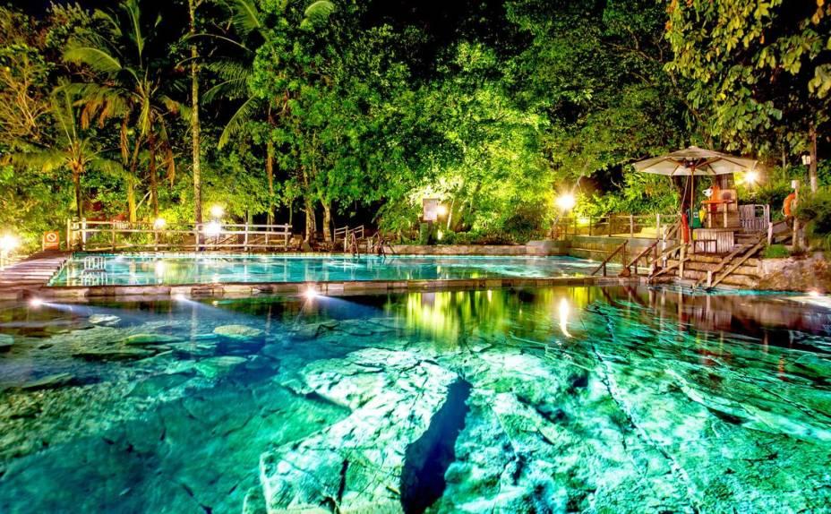 O Parque das Fontes fica aberto 24 horas por dia.