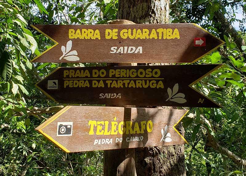 Placas da trilha