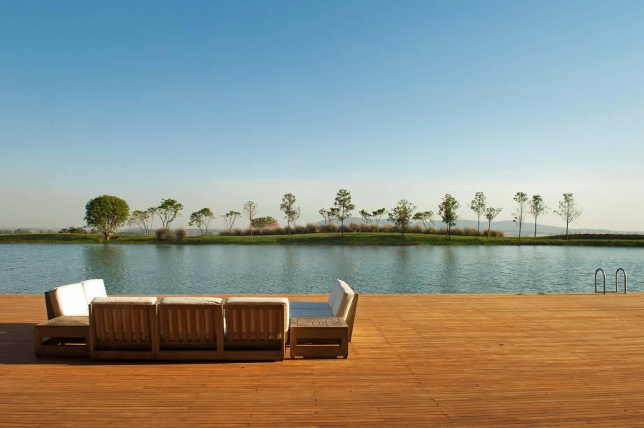 Deck de uma das piscinas do hotel Fasano Boa Vista
